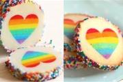 עוגיות חמאה עם לב בצבעי הקשת